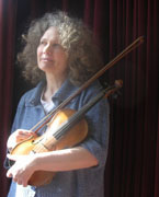 Cally's Consort plays folk music